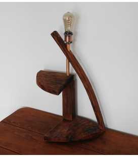 Dekorative Tischleuchte aus Holz 280