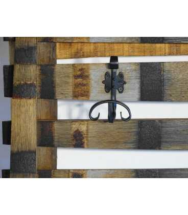 Ξύλινη κρεμάστρα τοίχου με μεταλλικούς γάντζους