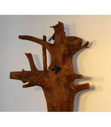 Coat stand formed of a tree trunk with metal hooks 060